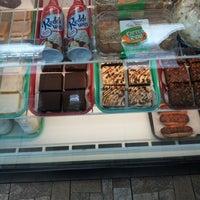 Photo taken at Apple Annie's by Lashaun M. on 12/17/2012