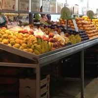 Photo taken at Loja das Frutas by Morgana M. on 10/18/2012