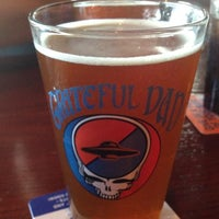 Foto tirada no(a) Flying Saucer Draught Emporium por Matthew B. em 6/13/2013