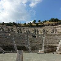 5/11/2013 tarihinde juliaziyaretçi tarafından Antik Tiyatro'de çekilen fotoğraf