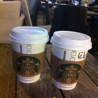 Das Foto wurde bei Starbucks von İmre🌺 am 10/6/2012 aufgenommen