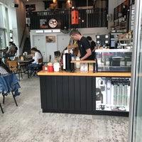 Foto tomada en Coffee Geek and Friends por Grant D. el 7/1/2017