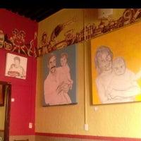 Foto tomada en Santo Café por Diana A. 🍒 el 4/21/2013