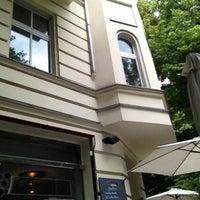 Das Foto wurde bei Ottenthal Weinhandlung & Kaffeehaus von Heiko M. am 6/22/2013 aufgenommen