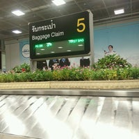 Photo taken at Baggage Claim 5 by Bass S. on 9/26/2016