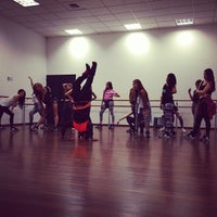 Photo taken at Be Academy by Mariana T. on 10/24/2013