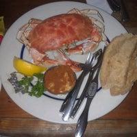 6/30/2013 tarihinde Jackie J.ziyaretçi tarafından Blue Ribbon Brasserie'de çekilen fotoğraf