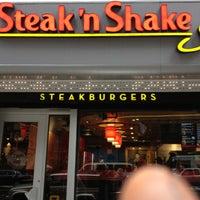 3/8/2013にChoo L.がSteak 'n Shakeで撮った写真