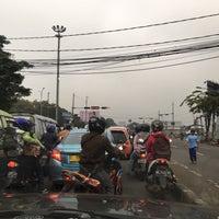 Photo taken at Perempatan Buah Batu by Jefriando C. on 4/2/2016