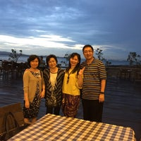 Photo taken at Harbour Bay Seafood Restaurant by Samuel T. on 12/24/2016