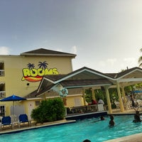 Photo taken at Rooms Ocho Rios by GREENGOD on 7/2/2013