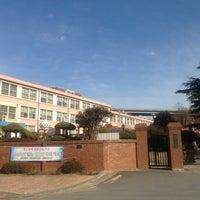 Photo taken at 성황초등학교 by Kyungbae Y. on 2/8/2013