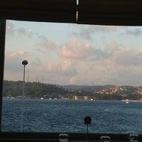 Photo taken at Kalender Sahil Lokantası by Hande on 8/10/2013