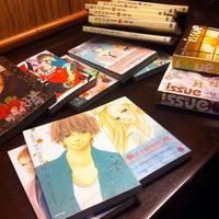 Photo taken at Salon de Comics by ogonge on 12/28/2013