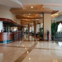 2/26/2013 tarihinde Gözde A.ziyaretçi tarafından Fame Residence Lara & Spa Hotel'de çekilen fotoğraf