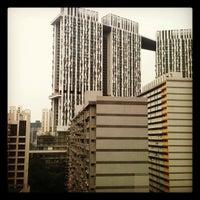 Photo taken at Amara Singapore Hotel by Daren B. on 10/11/2012