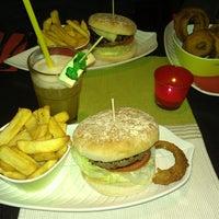 Das Foto wurde bei Rotkäppchen Burgergrill von Ka r. am 12/23/2013 aufgenommen