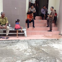 Photo taken at Pengadilan Negeri Balikpapan by Bunda T. on 4/2/2014