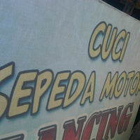 Photo taken at Cuci sepeda motor LANCING by agus k. on 7/21/2013
