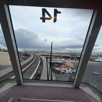 Das Foto wurde bei Newark AirTrain - Terminal A von Josiah K. am 10/12/2012 aufgenommen