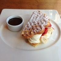 Photo taken at Big Chefs by Melda G. on 4/12/2013