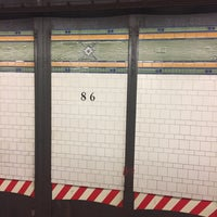 Photo taken at MTA Subway - 86th St (R) by Juan C. on 8/15/2017