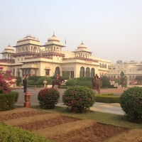 11/6/2012 tarihinde Maggie C.ziyaretçi tarafından Rambagh Palace Hotel'de çekilen fotoğraf