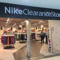 Foto diambil di Nike Factory Store oleh Amaleez👻 pada 5/1/2017