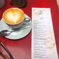 Foto diambil di Café Secreto oleh Thais V. pada 2/2/2017
