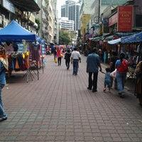Photo taken at Jalan Tuanku Abdul Rahman (TAR) by Nazlif N. on 10/28/2012