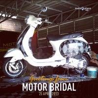 Photo taken at Motor Bridal (Tempat Cuci Motor) by Harry Agung F. on 4/25/2013