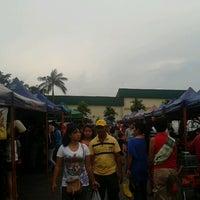 Photo taken at Pasar Tani Giant Plentong by Myrara H. on 12/7/2012