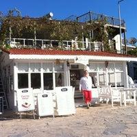 10/13/2013 tarihinde Murat Ç.ziyaretçi tarafından Paprika Cafe'de çekilen fotoğraf