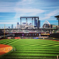 Foto tirada no(a) Safeco Field por Paul C. em 6/29/2013
