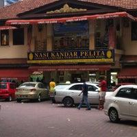 Photo taken at Nasi Kandar Pelita by Shafiq S. on 7/6/2013