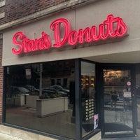 Foto tomada en Stan's Donuts & Coffee por Tanner S. el 7/14/2018