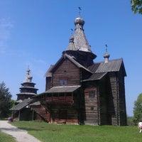 Das Foto wurde bei Музей деревянного зодчества «Витославлицы» von Stanislav G. am 5/18/2013 aufgenommen