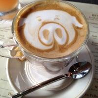 Photo taken at Ferringhi Garden Restaurant by Vivian 🌸 on 11/15/2012