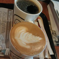 Photo taken at 伯朗咖啡館 Mr. Brown Coffee by Naomi on 1/13/2013