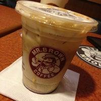 Photo taken at 伯朗咖啡館 Mr. Brown Coffee by Naomi on 7/22/2013