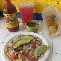 Foto scattata a Los Mariscos da Mark S. il 6/18/2017