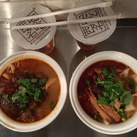 Das Foto wurde bei Xi'an Famous Foods von Mark S. am 3/30/2015 aufgenommen