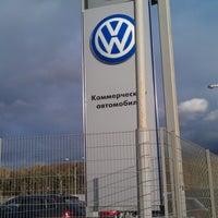 Снимок сделан в Volkswagen Центр Север пользователем Ч.Е. В. 10/7/2012
