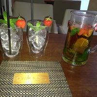 Das Foto wurde bei Amigos - Food Lounge von Selma Ö. am 7/9/2013 aufgenommen