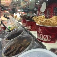Photo taken at Cold Stone Creamery by Jacob E. on 9/9/2015