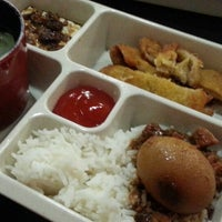Photo taken at QK Cafe. Taiwan Food by ĵεɴɴίʃεર on 7/5/2013