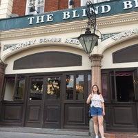 Das Foto wurde bei The Blind Beggar von Darren Q. am 6/21/2017 aufgenommen