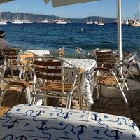 6/4/2013 tarihinde Mehmet C.ziyaretçi tarafından Ebow Café & Bar'de çekilen fotoğraf