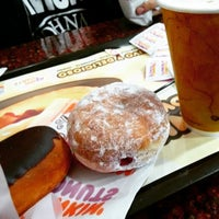 Photo taken at Dunkin Donuts by LilianaGoMon on 3/6/2015