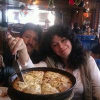 Photo taken at Jeno's Pizza Cedritos by LilianaGoMon on 10/7/2012